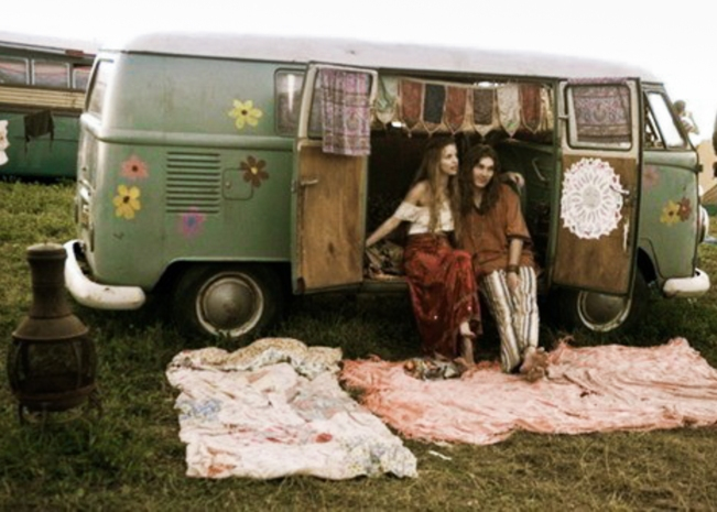 vw-bus-hippies-1