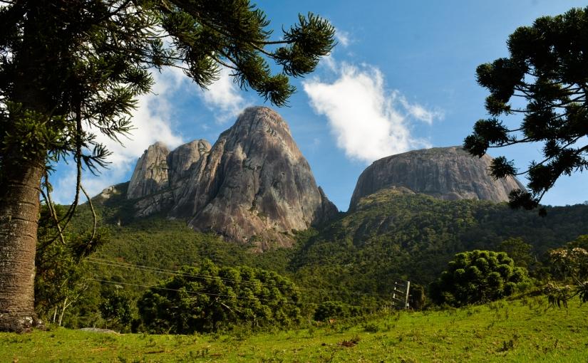 Três Picos: montanhas desafiadoras e um vale dosdeuses