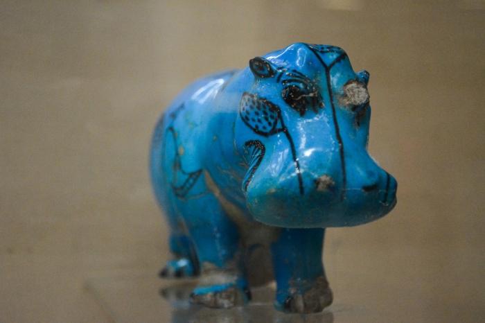 Hipopótamo azul - deusa Taweret.jpg