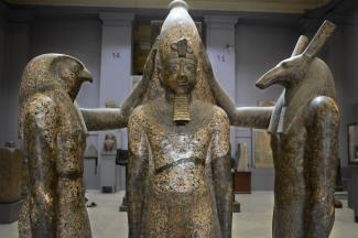 Horus e Seth abençoando Ramses III