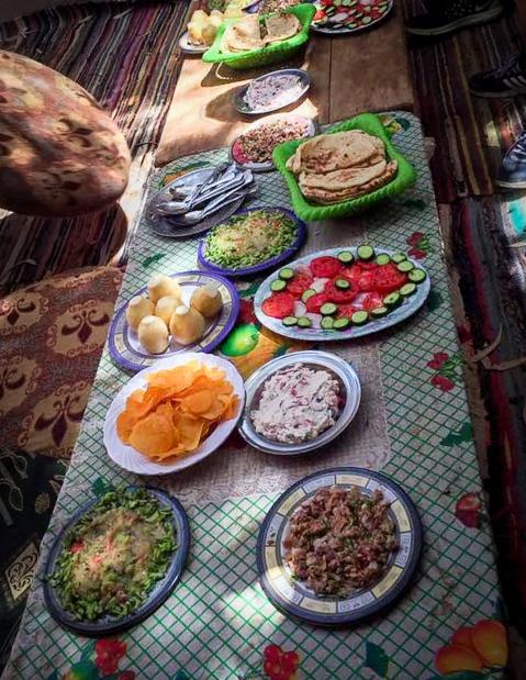 Almoço Árabe no Deserto