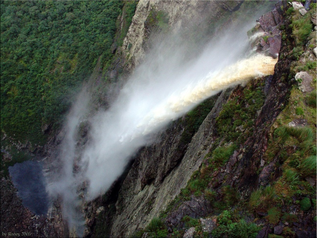 Cachoeira_da_fumaça_by Roney
